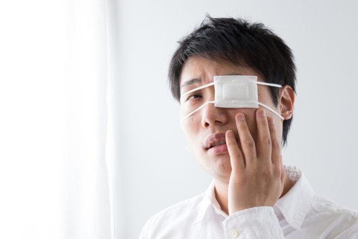 disease causing cataracts